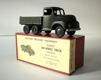 Britain's Six-Wheel Truck with Driver in Original Illustrated Label Box / No. 1335 / MINT Condition