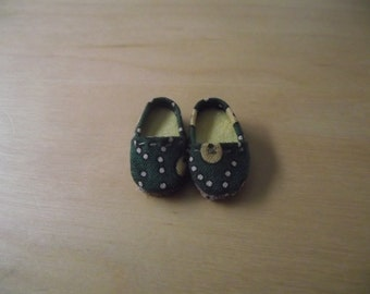 Green with yellow dots slip on flats shoes for Pullip / obitsu