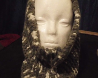 Handmade Chunky  Knit Neck Cowl Neckwarmer with 4 Wood Buttons
