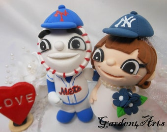 NEW--Mascot wedding cake topper--Love MASCOT couple with circle clear base--NEW