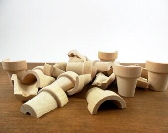 """Wood Flower Pots Split 1 3/8"""" H x 1 1/4 W Unfinished Wood Miniatures 20 Pieces"""