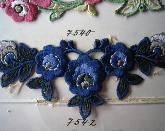 Pick One Antique Silk Embroidered Floral Flower Applique  (Ref:  A--3386/1 Box 3)