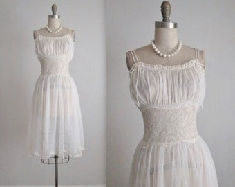 50's Peignoir Set // Vintage 1950's White Lace Nylon Chiffon Wedding Bridal Slip Dress Nightgown Gown Set