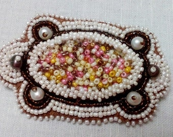 Beaded brooch Turtle