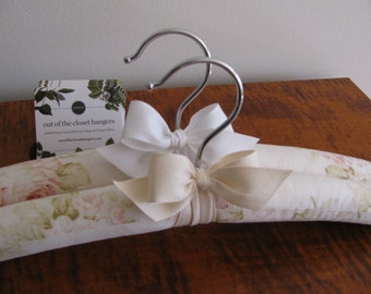 Brides Hanger, Pink Floral Hanger, Rose Floral Wedding Hanger, Romantic Rose Hanger, Wedding Hanger, Floral Bridal Hanger, Organic Ribbon