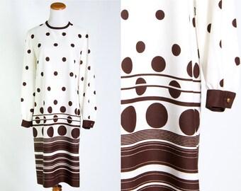 Vintage 1970s Cream Brown Polka Dot Swing Dress * Boho Mod Pretty Woman Trapeze Shift Chocolate Secretary * Size Large * FREE SHIPPING