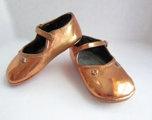 Bronzed Baby Shoes Baby Shoes Vintage Baby Shoes Copper Baby Shoes Baby Mary Janes Baby Room Decor Little Girl Shoes Vintage Fifties AU3