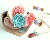 Valentine's Day gift, Gift set, long Necklace, Felt flowers bouquet