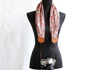scarf camera strap sweet alyssum - BCSCS046