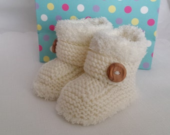 Knitted Baby Booties - Baby Boys Booties - Baby Girls Booties -Cosy Snug Bootees - 0-3 Months, 3-6 Months, 6-9 Months, Neutral Baby Gift