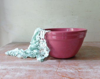 VIntage Fowler Ware Mixing Bowl in Plum