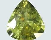 CHRYSOBERYL (24032) Fiery! 7 x 6mm Yellow / Green Pear-Cut Chrysoberyl - Sri Lanka