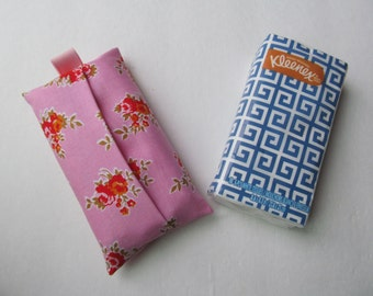 Tissue Case/Red Flower On Pink