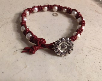Red Bracelet - Macrame Jewelry - White Pearl Gemstones - Leather - Fashion - Trendy - Beaded - Silver Flower Button