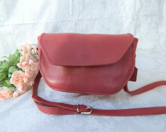 Authentic Vintage COACH- Red Leather ----RARE Style COACH --CrossBody--Purse