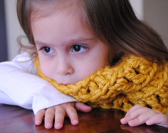 Mustard Yellow Crochet Infinity Scarf for Toddlers, kids infinity scarf, chunky scarf, toddler scarf, toddler cowl, crochet cowl, unisex