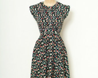 Vintage Dress Floral / 60s Dress / 70s  / Flower child  Dress / boho dress   Dresses / Flower Dress / Women's Clothing / Boho / Hippy Blouse