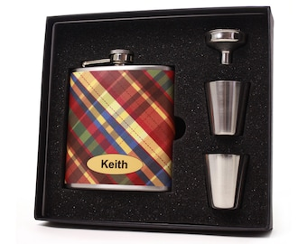 Personalized flask for men // Plaid design flask gift set