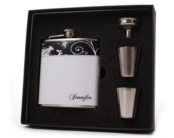 Gift for Her // Personalized Flask Gift Set