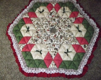 Christmas Tree Skirt - Biscuit Quilted - Antique Christmas