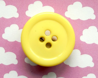 Giant Button Brooch Badge Pin pingame yellow