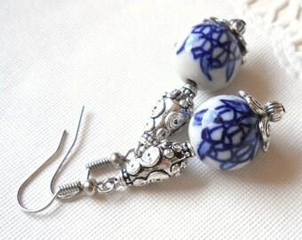 Delft blue dangle earrings blue earrings Delft blue and white earrings Delft blue style blue and white jewelry delft blue jewelry