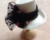 Pretty 1/12 scale handmade dollhouse miniature silk top hat