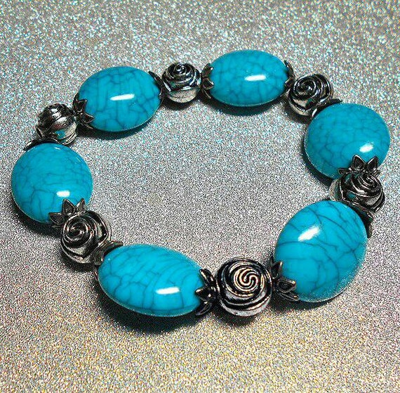 SALE Native American & Bohemian Inspired Large Oval Crackled Design Turquoise Beaded Stretch Bracelet w/Silver Rose Ball Beads FREE SHIPPING