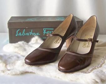 Vintage Salvatore Ferragamo Womans Shoes Brown Calf Leather Mary Jane Pumps 8B Original Box 1960s