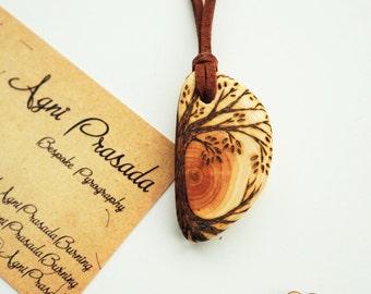 Wooden pendant, solid wood bead, wooden necklace, natural jewellery, handmade jewellery, pyrography pendant, original art pendant, dendelion