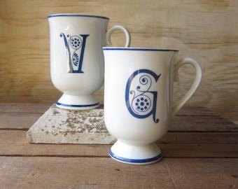 90's Initial Mugs White V Mug White G Mug