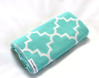 Large Cotton Jersey Knit Baby Swaddle/Receiving Blanket - Girl or Boy - Ice Green Quatrefoil Design