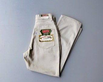 Vintage 1970s White Tab Levis. Womens White Label White Denim Levis. Size XXS XS