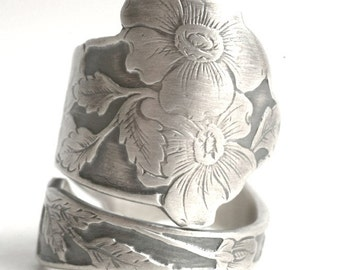 Etched Wild Rose Ring, Flower Ring, Sterling Silver Spoon Ring, Rose Ring, Custom Ring Size, Antique Spoon Ring, Paye & Baker Wild Rose 6184