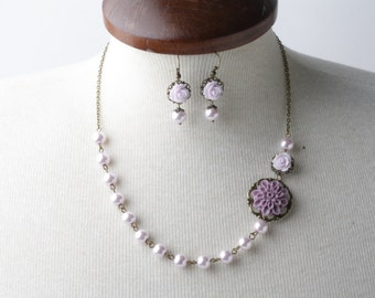 Lilac Bridesmaid necklace, Lilac pearl necklace, Lilac wedding Jewelry, Rustic wedding jewelry,Bridesmaid gift, maid of honor gift, lavender