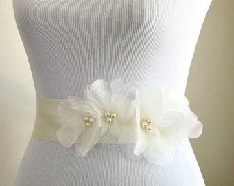 Ivory Wedding Sash, Ivory Bridal Sash, Ivory Wedding Belt, Bridal Belt, Ivory Organza Flowers - Vera Wang Inspired