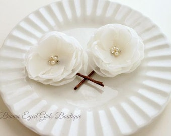 Ivory Bridal Flowers, Ivory Wedding Hair Accessory, Ivory Bobby Pin, Ivory Bridal Head Piece