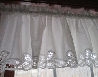 Vintage Battenburg White Cotton Lace Panel/Valance