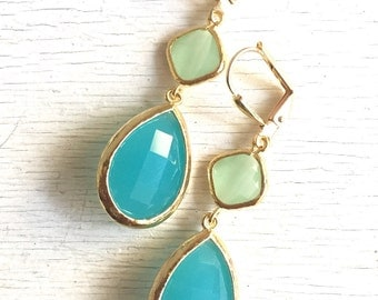 Turquoise Mint Dangle Earrings in Gold.  Drop Earrings. Bridesmaids Earrings. Gift. Christmas. Holiday. Jewelry. Turquoise Dangle Earrings.