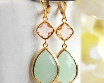 Champagne Peach and Mint Dangle Earrings.  Bridesmaid Earrings. Dangle Earrings. Drop Earrings. Wedding Jewelry. Bridal. Gift.