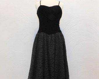 Black Velvet & Lace Dress Vintage 1980's Act I New York Formal Dress - S / M