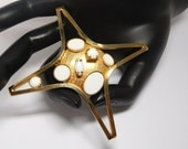 Atomic 60s Brooch Gold with White Milk glass/lucite Mod Modern Large Fun & Fantastic!