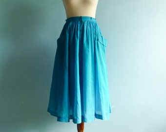 Vintage bright blue skirt summer / thin lightweigh / buttoned / high waisted / full / midi / small