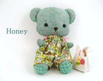 Honey - Gingermelon Biscuit Bear - Handmade Felt Plush Toy