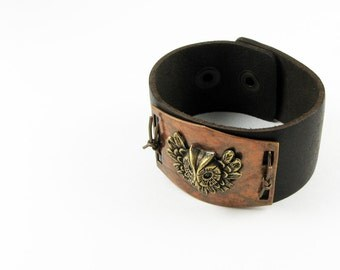 Leather Cuff Bracet With Owl - Unique Fall Jewelry - Nature Inspired - Dark Brown with Feathery Owl and Handpainted Finish for Autumn