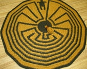 Native American, Man in a Maze, Elder Brother, Labyrinth, Crochet Pattern PDF, Tribal Symbol Motif, Green and Gold, Afghan, Blanket, Pillow