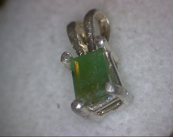 Beautiful Colombian Emerald Pendant
