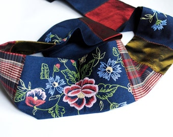 Belt : textile fabric, elegant, floral, summer, bohemian, flowers, romantic,statement bohemian collar - tartan, flowers and some navy blue