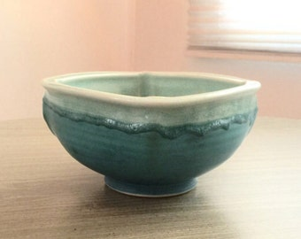 Vintage Studio Art Pottery centerpiece bowl turquoise blue craquelure signed Campbell