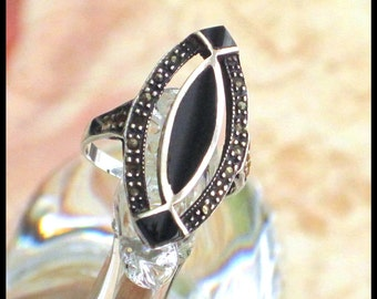 Sterling Silver Marcasite & Onyx Ring / Art Deco Art Nouveau / Estate Jewelry / Vintage Ring / Size 7.5, Weight 4.65 grams 925